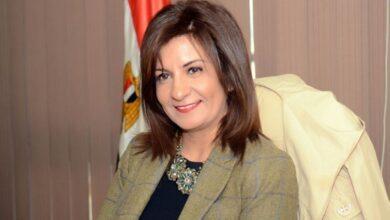 Photo of نبيلة مكرم السلطات تلقي القبض على المعتدي على المصري بالكويت