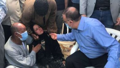 "Photo of والدة أخر ضحايا شاطئ الموت بالاسكندرية ""فقدت 3 وعاوزة بس أدفنه"""