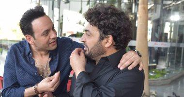 Photo of مصطفى قمر يتسبب في فزع حميد الشاعري… فيديو