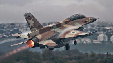 Photo of الطيران الإسرائيلي يستهدف بالمروحيات مواقع للجيش السوري