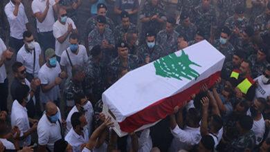 Photo of بيروت تودع الإطفائي رالف ملاحي لمثواه الأخير وداع الأبطال
