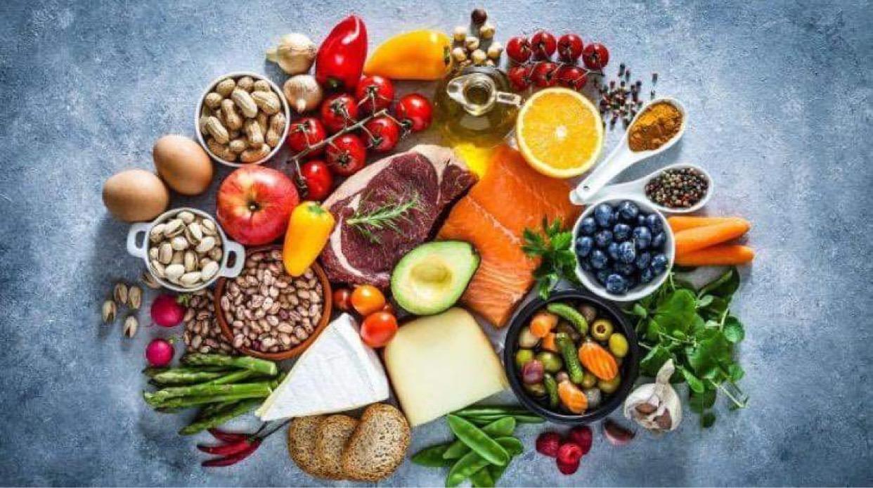 المناعة .... وبعض الأطعمة التي تعمل علي تقوية الجهاز المناعي