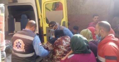 """Photo of الرئيس السيسي : يقوم بعلاج سيدة مريضة """"بداء الفيل"""""""