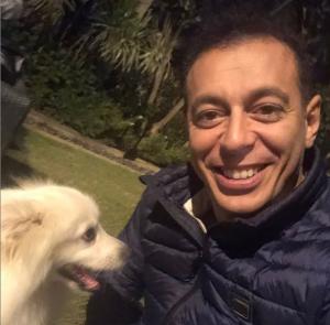 """مصطفى شعبان بصحبة كلبه في أحدث صور له .. """"Nice selfy"""""""