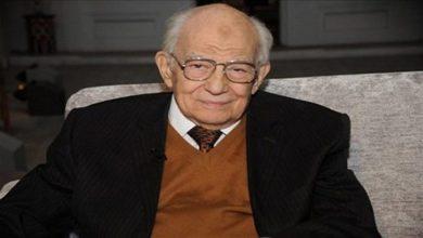 Photo of رشوان توفيق 60 سنة حب وتاريخ  فني طويل بميلاده الـ 87