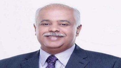 Photo of حمدي رزق الكاتب الكبير: لايعرف العار من لا يعرف الشرف!