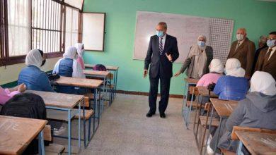Photo of الهجان يتفقد لجان الأمتحاناتبعدد من مدارس بمدينة بنها