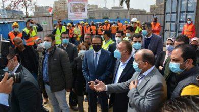 Photo of شعراوي ومحافظ الإسكندرية يتابعان تطوير ميدان محطة مصر