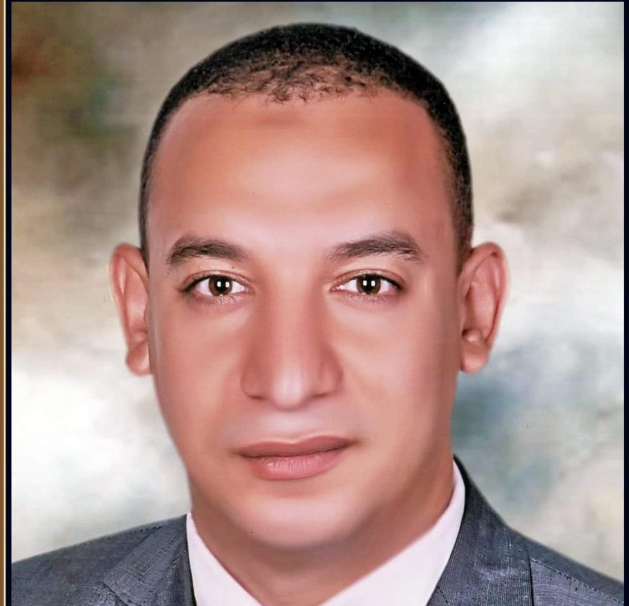 اصدقائي كالشموس بقلم الدكتور: أحمد مقلد