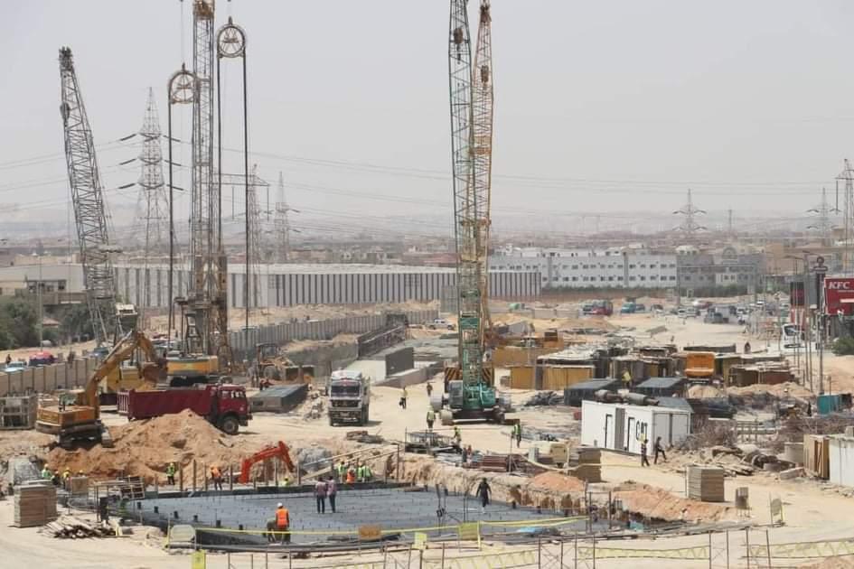 """مسئولو """"الإسكان""""يتفقدون مشروع تقاطع 8 """"كوبري. نفق"""" بمدينة 6 أكتوبر"""
