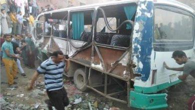 Photo of حادث قطار حلوان.. رئيس السكك الحديدية: سيارتان في عكس الاتجاه.. فيديو