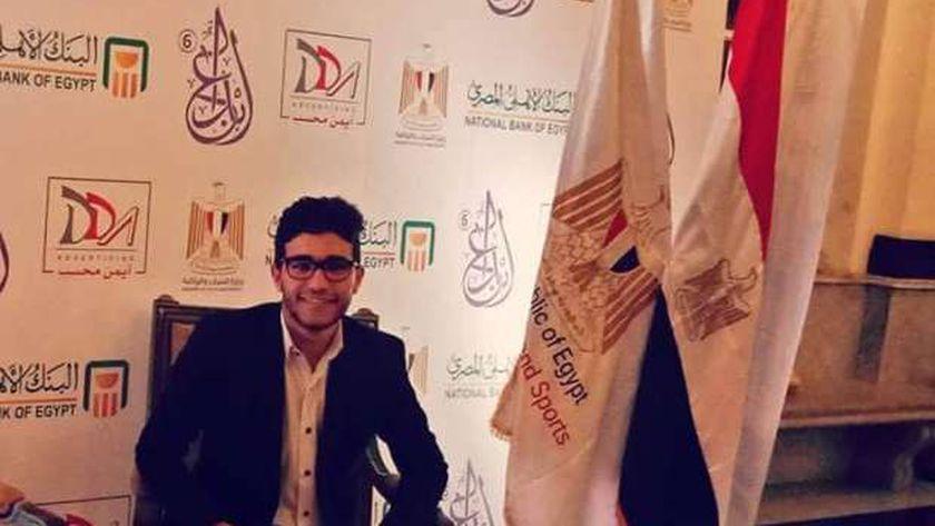 """أحمد دياب يحصل علي جائزة """"ستيفن هوكينج"""" لإبتكار وسيلة جديدة في مجال الطاقة"""