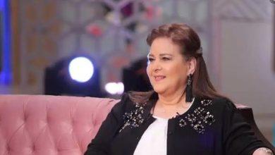 Photo of دينا تطلب من متابعيها الدعاء للنجمة دلال عبد العزيز