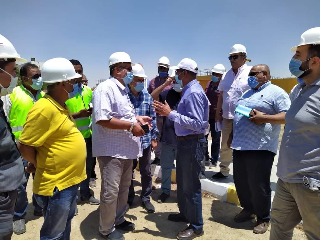 نائب وزير الإسكان يتفقد مشروعات مياه الشرب والصرف الصحى بمدينة بنى سويف الجديدة
