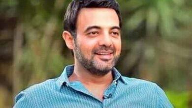 """Photo of عمرو محمود ياسين يرد على الأخبار المنتشرة عقب ترك بعض النجوم مهرجان الجونة وانتقاد """"ريش"""""""
